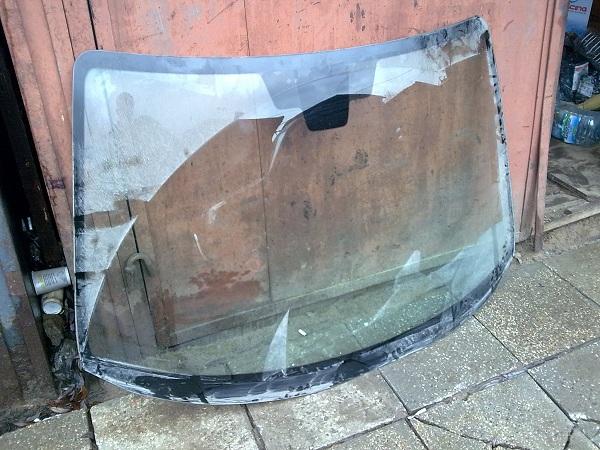 Лобовое стекло для mazda 3